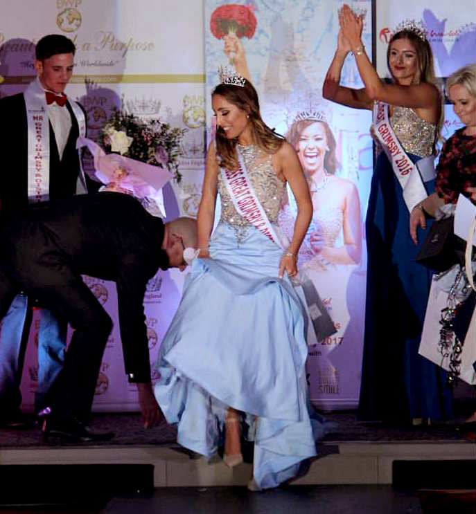 Journalist Reporting On Beauty Competition Ends Up Winning It laura gooderham beauty contest two